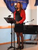 Jadranka Jakomin pevka, voditeljica in predstavnica kulturnega društva Vse-ENO